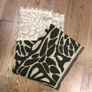 Roots blanket scarf